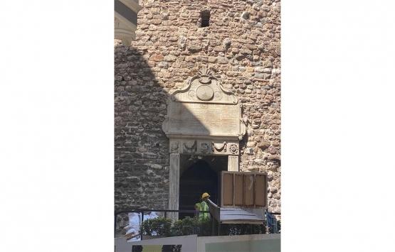 Galata Kulesi'nin yıkılan duvarı yeniden örüldü!