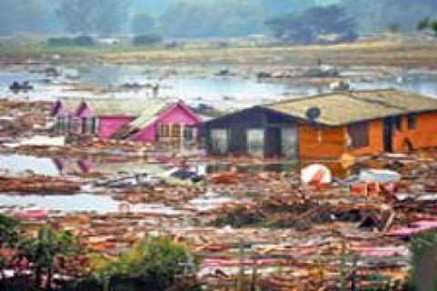 Şili'de yarım milyon ev enkaza döndü
