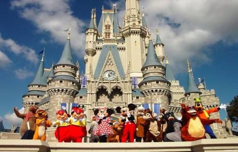 Suudi Kralı Disneyland'ı