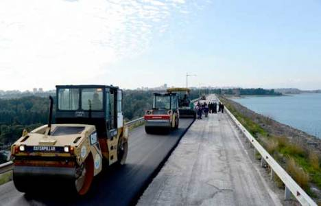 Adana Baraj Seddi'nde asfaltlama çalışmaları başladı!