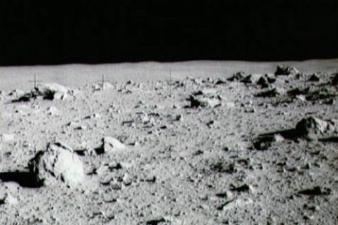 Ay'da 4 dönüm
