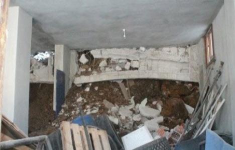 Trabzon'da istinat duvarı evin üstüne çöktü!