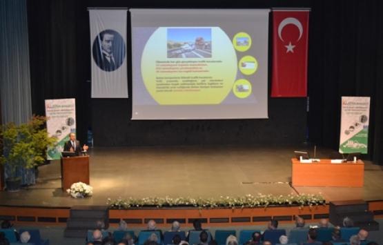 TÇMB Bursa'da beton yollar ve beton bariyerleri anlatıyor!