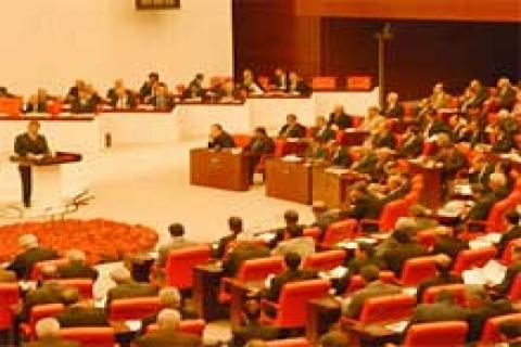 Yabancıya mülk satışı 'daralarak' Meclis'ten geçti