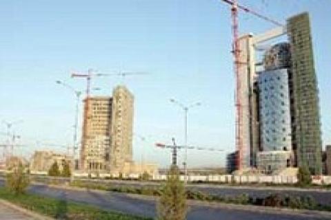 Türk müteahhitler Türkmenistan'da 1,5 milyar dolarlık iş aldı!