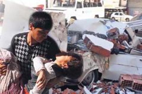 Fethiye Ölüdeniz'deki 6.0'lık deprem çatı ve balkonları çökertti!