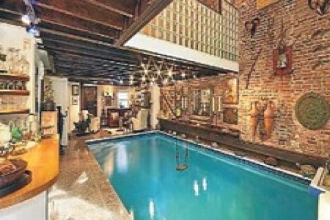 Havuzlu salonu olan ev 11 milyon dolara sat a kt 06 for Planimetrie ranch con cantina