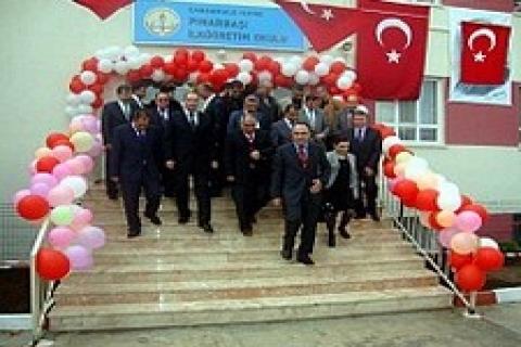 Akçansa, Pınarbaşı İlköğretim Okulu'nu yeniledi!