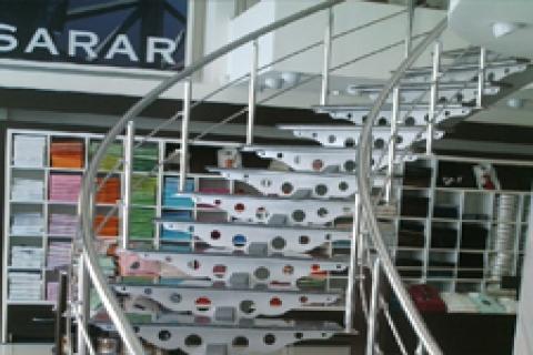 Sarar'dan 7 değil yetmiş mağaza