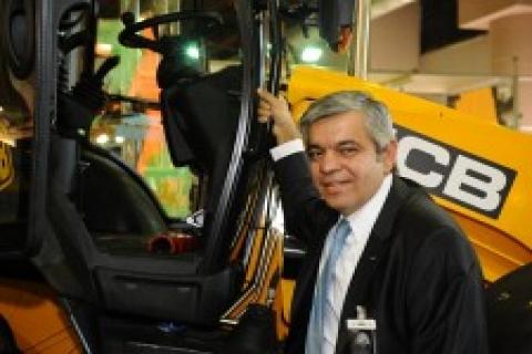 SİF JCB İş Makinaları'nı Komatek Fuarı 'nda tanıttı!