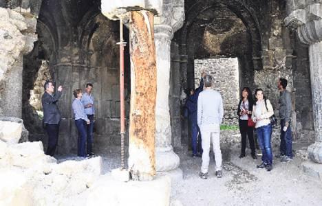 Erzurum'da kilisenin çalınan