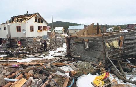 Muş'ta çıkan hortum 12 evi yıktı!