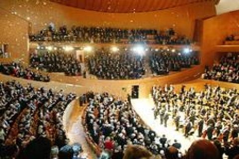 TOKİ'ye 'İstanbul'a konser