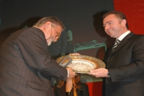 Kütahya Seramik Ulusal Mimarlık Sergisi'ne sponsor oldu