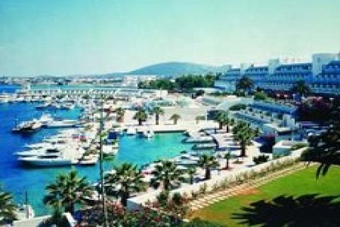 çeşme'de 2012'de 2500 yataklı 5 otel inşaatına başlanacak!