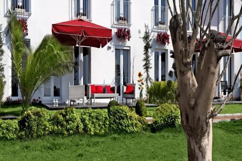 Otuzbeşinci Sokak'ta 178 metrekarelik bahçeli sıra evler 356 bin lira!