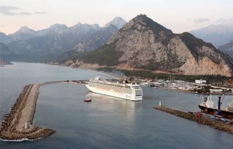Antalya'ya kruvaziyer ile 134 bin turist geldi!