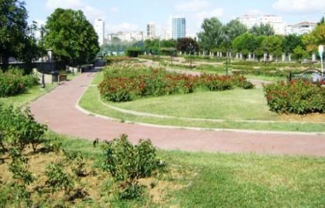 Göztepe Park'ına cami inşa edilmesine karşı çıkanlar eylem yaptı!