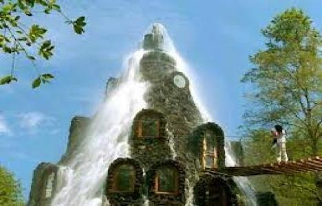 Sihirli Dağ Oteli turistlerin ilgisini çekiyor!