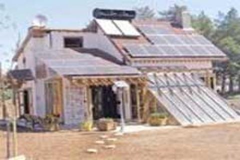 Elektriğini güneşten üreten ev 130 bin YTL