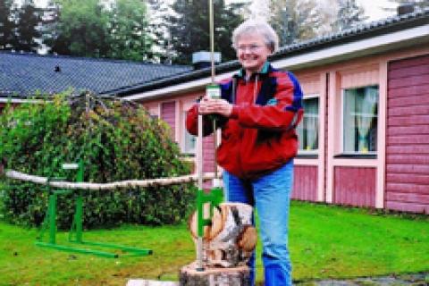 Şömine odununuzu Agma Pratik kırıyor