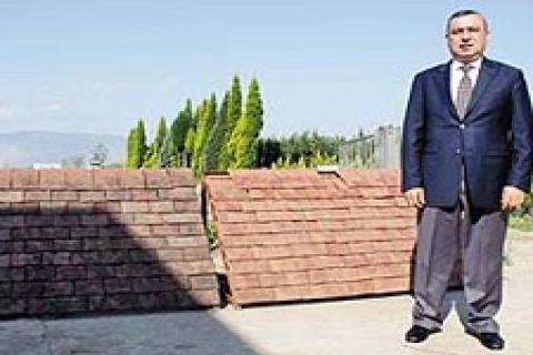 Yılmaz şžahin, İngiltere 'de 10 günde 3 milyon tuğla sattı
