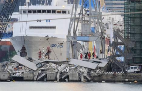 İtalya'nın Cenova şehrindeki liman kulesi yıkıldı!