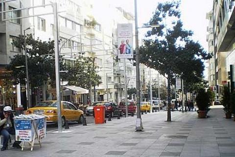 Dolmabahçe ile Beşiktaş