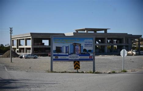 Alanya Demirtaş Kültür Merkezi'nin kaba inşaatı tamamlandı!