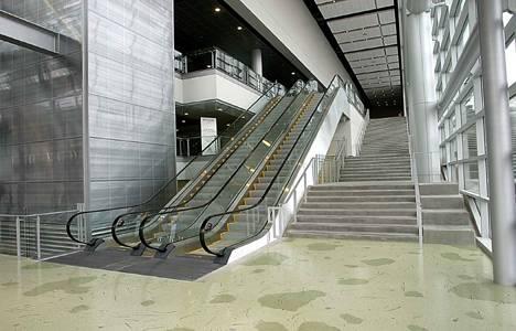 Ev içi yürüyen merdiven
