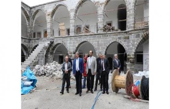 Melikgazi'de muhtelif yapıların restorasyonuna onay!