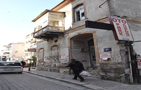 Konak'taki eski bina