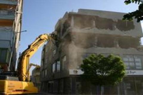 Bursa'daki kaçak yapılara müdahale edildi!