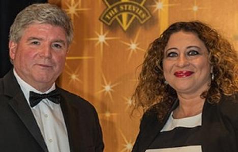 Tahincioğlu'nun 'İstanbul'u Resmet' projesine ödül!
