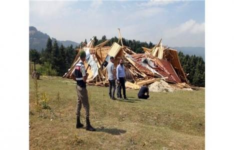 Bolu'da yıkım kararı gelen evi sahibi yıktı!