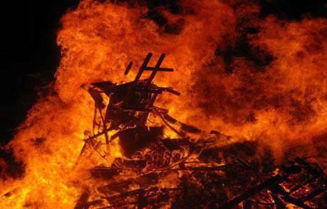 Kastamonu'da tarihi evde yangın çıktı!