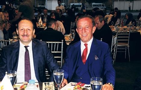 Ali Ağaoğlu'ndan dostlarına