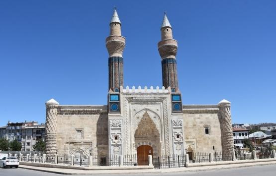 Sivas'taki Mavi Medrese'nin restorasyonu tamam!