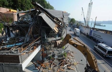 Kuruçeşme'de kaçak bina yıkıldı!
