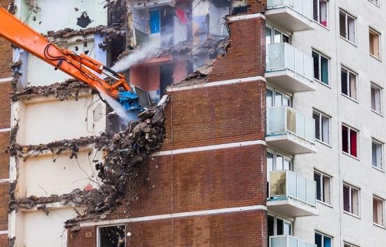 Hasar gören binalar güçlendirilmeli mi yıkılmalı mı?