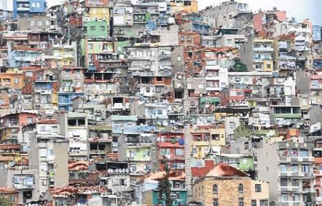 İzmir Bayraklı'da kentsel dönüşüm çalışmaları heyelana neden oldu!