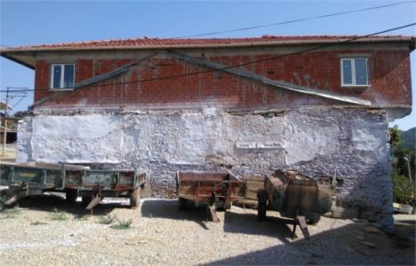 Manisa Gördes'teki evlerin dış cepheleri yenileniyor!
