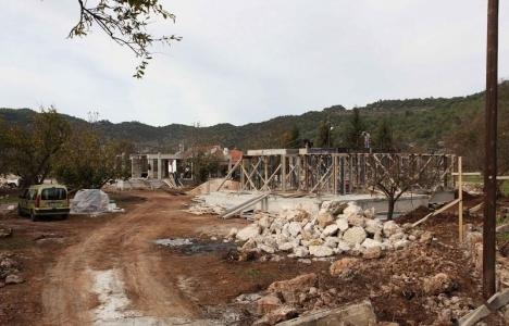 Fethiye'de kaçak inşaatlara işlem yapılıyor!