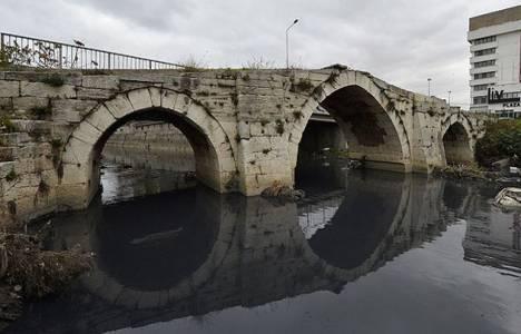 Mimar Sinan'ın Güneşli'deki 5 asırlık köprüsü ihmalden çürüyor!