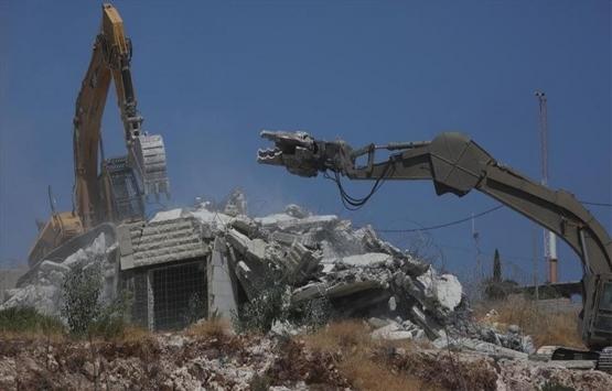 Filistinliler, İsrail'in yıkımlarına tepki gösterdi!