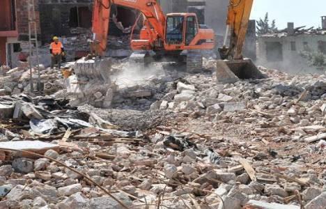 Türkiye'de 13 binden fazla bina riskli!