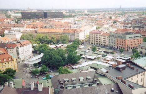 Almanya'da ressamlar binaların