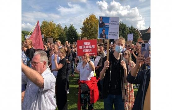 Hollanda'da konut azlığı ve kira artışları protesto edildi!