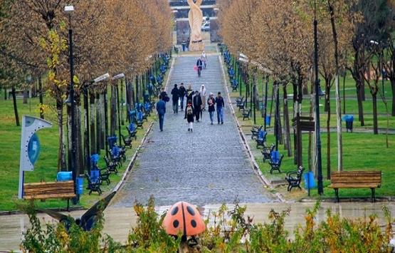 Diyarbakır'da parkın içine cami tartışması!