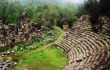 Phaselis Antik Kenti'nde yapılması planlanan turistik tesise tepki!